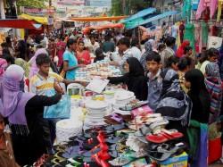 Crowd The Eid Market Kolkata