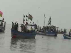 Several Thousands Fishermen Are Distress Due Bad Weather Bay Bengal