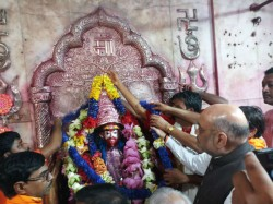 Bjp President Amit Shah Worships At Tarapith
