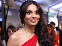 How Is Bipasha Basu Here Is The Her Health Condition Hospital