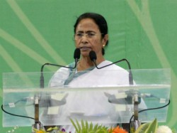 Cm Mamata Banerjee Gives Rupees 10 Thousands Students Deposit
