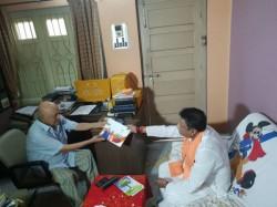 Mukul Roy Meets Manaj Mitra Bjp S Jana Sampark Abhiyan