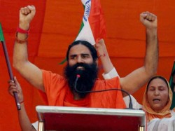 Baba Ramdev Over Than 1 05 Yoga Enthusiasts Create World Record In Rajasthan