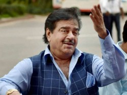 Bjp Mp Shatrughan Sinha Wants Fight Loksabha Election Behalf Of Congress Or Rjd