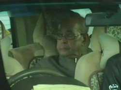 Pranab Mukherjee S Daughter Sharmistha Mukherjee Hit At Him Over His Nagpur Visit