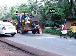 Karnataka Couple S Wedding Procession Features Decked Up Jcb Digger