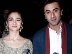 Ranbir Kapoor Alia Bhatt Late Night Rendezvous Pics