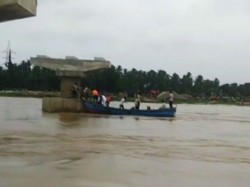 A Boat With More Than 40 People It Has Capsized Andhra Pradesh 10 People Missing
