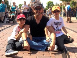 Hrithik Roshan Celebrates Vacation With Sons See The Video