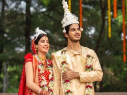 Janhvi Kapoor Ishaan Khatter S Picture As Newly Married Couple Gets Viral