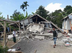 Quake Hits Indonesia As Nearly 700 Hikers Trapped On Volcano