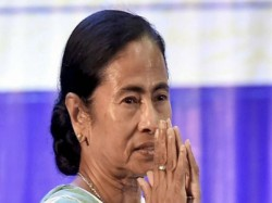 Chief Minister Mamata Banerjee Meets Left Mlas The Assembly