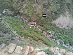 Many Passengers Dead As Bus Fall Into Ditch Pauri Garhwal Uttarakhand