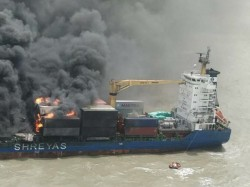 Mv Ssl Kolkata Started Sink Coast Guards Taking Measures
