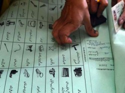 Pakistanis Are Casting Vote General Election Amidst Terror Fear