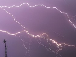 Eight Men Are Died Thunderstorm With Continuous Rain South Bengal