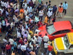 Mumbai Bandh Bus Torched Shops Forcibly Shut Down Clashes Erupt