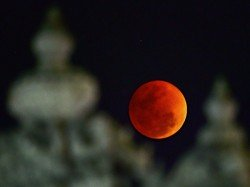 Why Is The Moon Red During Total Lunar Eclipse Know About Blood Moon