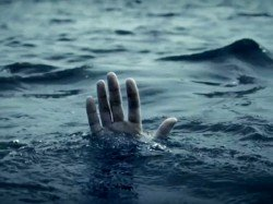 Scribe Who Had Gone Cover Floods Dies After Boat Capsizes Kerala