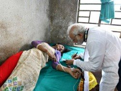 An Injured Young Woman Requests An Autograph Pm Narendra Modi