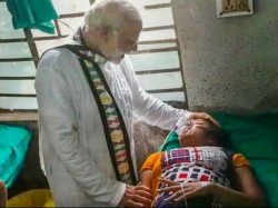 Narendra Modi Stands Beside Injured Persons Go Midnapur Hospital