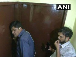 Model Taken Hostage Bhopal Jilted Lover Police Say There Is Blood All Over