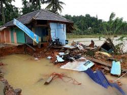 Pm Narendra Modi Visits Flood Affected Kerala Today