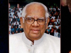 How Somnath Chatterjee Dealt Cash Vote Controversy