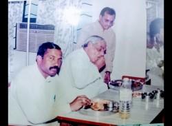 Atal Bihari Vajpeyee Likes Eat Bengali Food Like Phuchka Kolkata