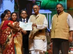 Amit Mitra Announces Bengal S Handicraft Gets 113 Crore Investment