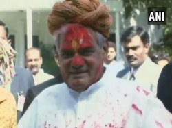 Atal Bihari Vajpayee Enjoy Dancing On The Occasion Holi