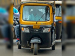 A Mumbai Auto Driver Masturbates Front An Woman Case Lodged