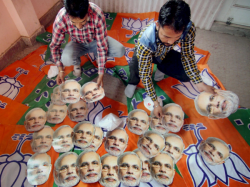 Bjp Decides Arrange At Least Two Hundred Rally Before Modi S Brigade