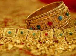 Here S How You Should Wear Keep Gold According Vaastu
