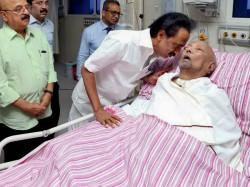 Dmk Chief Karunanidhi S Health Declines Hospital Bulletin Says