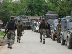 Four J K Policemen Killed Militants Shopian