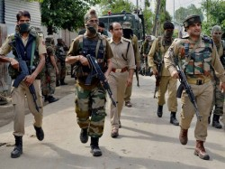 Terrorists Kidnap Kin Nine Policemen South Kashmir