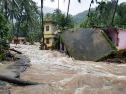 Hindu Makkal Katchi Blames Women Causing Floods After They Entered Sabarimala