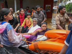Kerala Floods Death Toll Rises 368 Red Alert Lifted Kochi Naval Air Base Open Commercial Flights