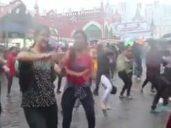 Kolkata New Market Area S Rain Dance Becomes Viral See The Video