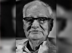 Veteran Journalist Author Kuldip Nayar Passed Away At The Age Of