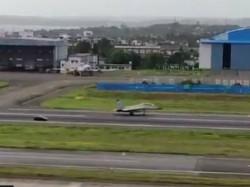 Mig 29k Jet Race With Lamborghini At Goa S Dabolim Airport