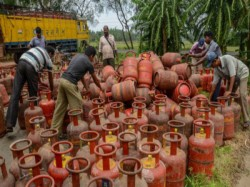 Subsidised Cooking Gas Price Is Hiked Rs 1 76 Per Cylinder
