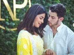 Priyanka Chopra Nick Jonas Engagement Bash Parineeti Alia Arrive At The Party