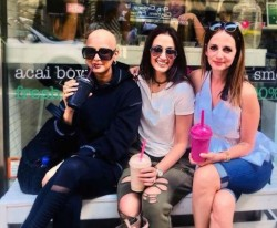 Sonali Bendre Fighting Cancer Here Is New Picture Posted Social Media