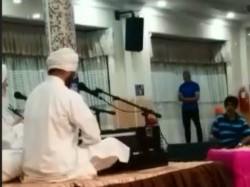 Muslim Man Offers Namaz Inside Gurdwara Malaysia