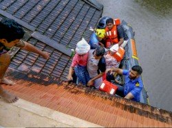From Infant Old Sick Women Rescueres Reaching In Flood Affected Kerala