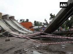A Portion National Highway 31d S Railway Flyover Guarder Collapsed Goaltuli Siliguri