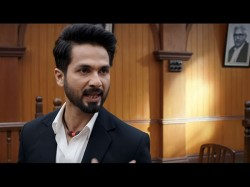Batti Gul Meter Chalu Movie Review Shahid Shraddha Starrer Gives A Social Message