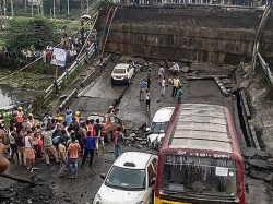 Four Bridge Flyover Collapse The Time Mamata Banerjee S Seven Year